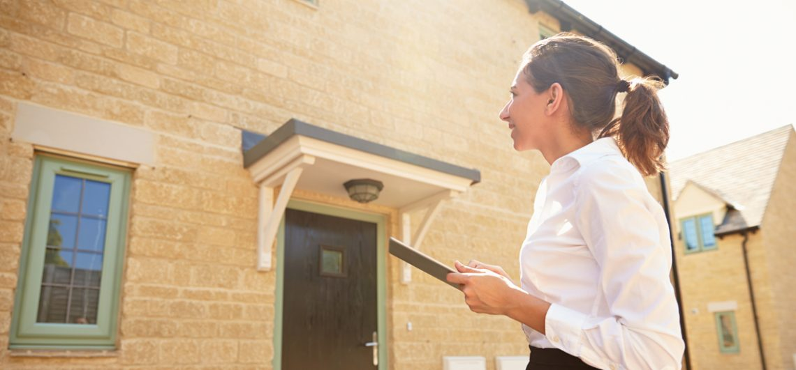 how to become an property manager